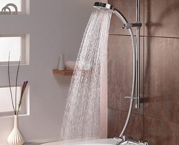 Riparazione doccia: sostiruzione rapida piatto doccia crepato